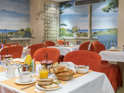 hotel-fertel-maillot-breakfast